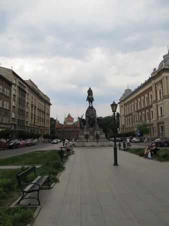 Historic Old Town: Plac Jana Matejki with Grunwald Monument and Barbican