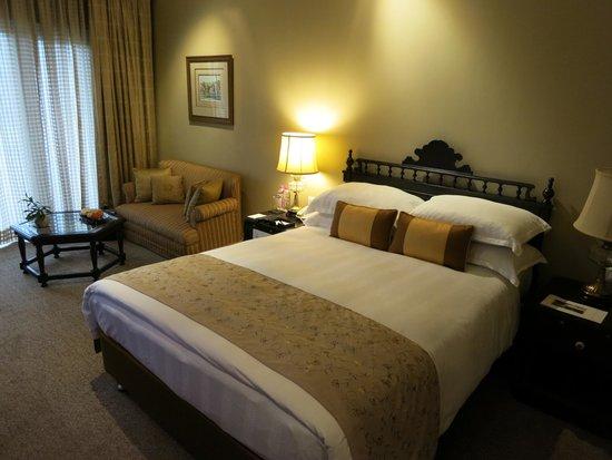 Taj Bengal Kolkata: deluxe room