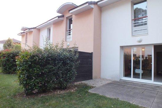 Univea Suites Confort Nantes Beaujoire : vista desde el exterior
