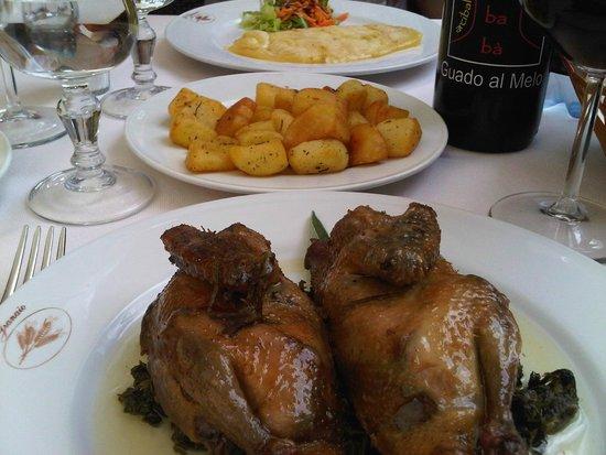 Ristorante Il Granaio : caciotta alla brace, Patate arrosto e Piccione arrosto.