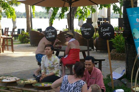 Vinh Hung Riverside Resort: Grounds