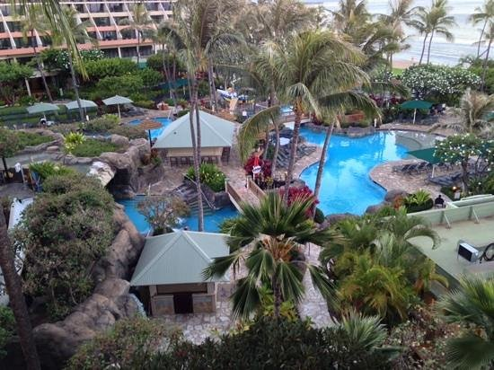 Marriott's Maui Ocean Club  - Lahaina & Napili Towers: pool in the early morning