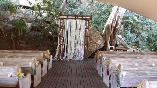 Umtamvuna River Lodge: Inside the rock chapel