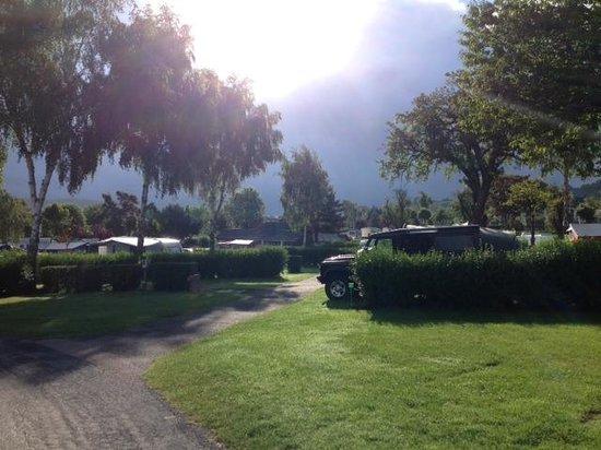 Camping La Vallée : Early morning rain, hot afternoons