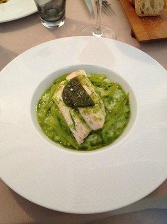 L'Angle Saint Laurent : Filet de bar, risotto au basilic et tomates vertes