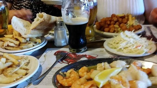 No Name Restaurant : seafood and a stout.