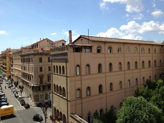 NH Collection Roma Giustiniano: Aussicht vom Balkon