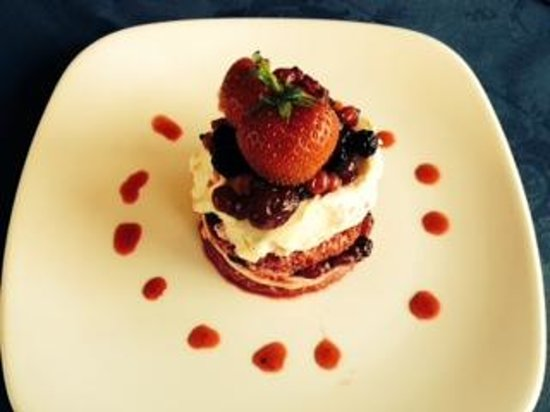 Eype's Mouth Country Hotel: Fantastic summer pudding