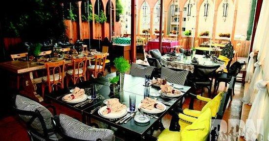 Em Sherif Restaurant Photo