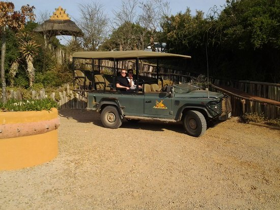 Amakhala Safari Lodge: REady for a game drive!