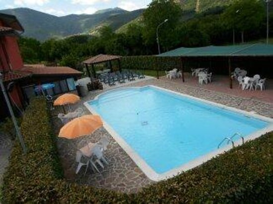Azienda Agrituristica Pericle: piscina
