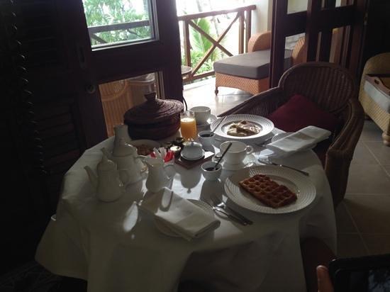 One&Only Le Saint Geran: petit dejeuner servi en chambre