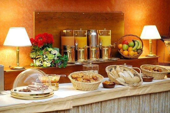 Best Western Hôtel les Capitouls : Buffet de petit-déjeuner