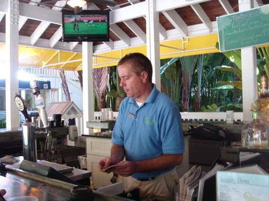 The Inn at Key West: Larry, our hero... GREAT guy
