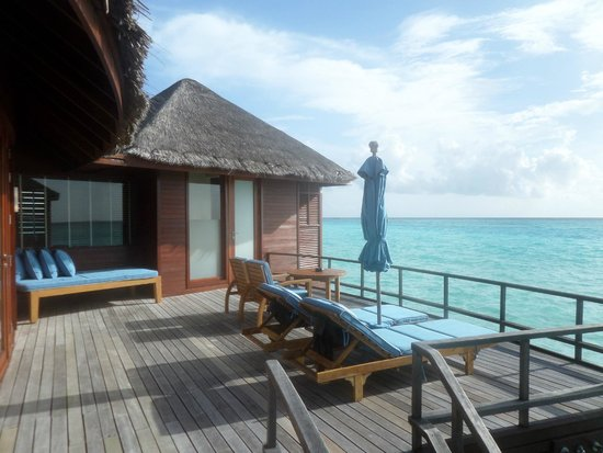 Anantara Dhigu Maldives Resort: OVERWATER SUITE