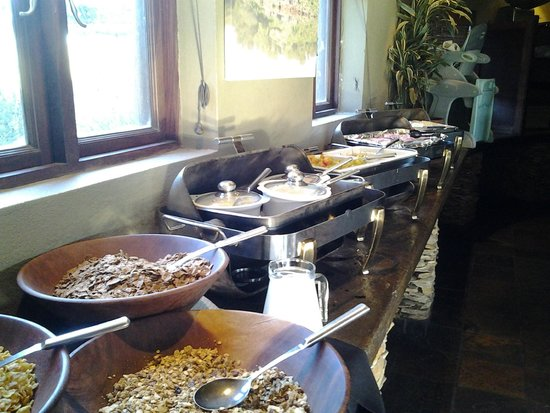 Buffelsdrift Game Lodge: Breakfast