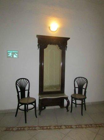 Hotel Monterrey : espejo de la epoca