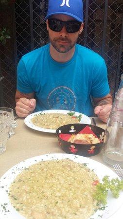 Osteria Ae Sconte: Immense portion of shrimp and porcini risotto