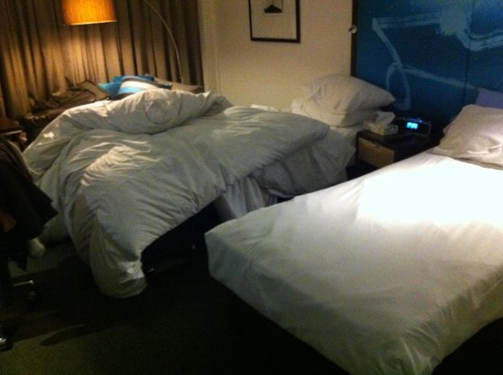 Novotel Melbourne on Collins: The second bed was not made when the room was serviced