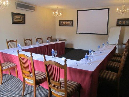 La Maison d'Hotes: Conference Room