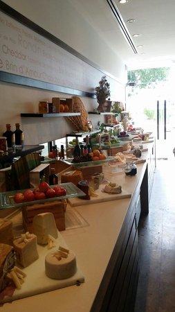 Millennium Hilton Bangkok : Cheese room