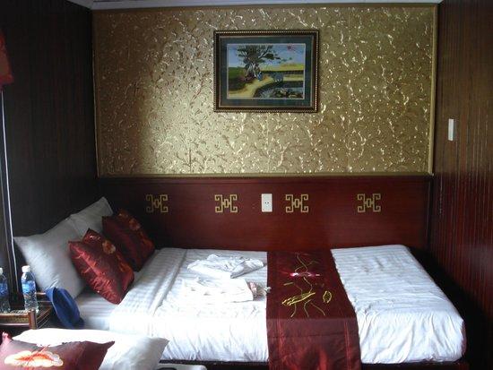Hanoi Symphony Hotel: Vspirit Cruise Boat Cabin
