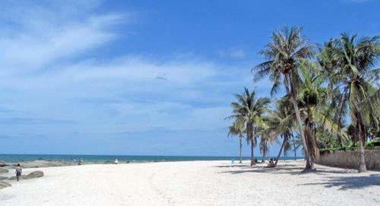 InterContinental Hua Hin Resort: Beach.