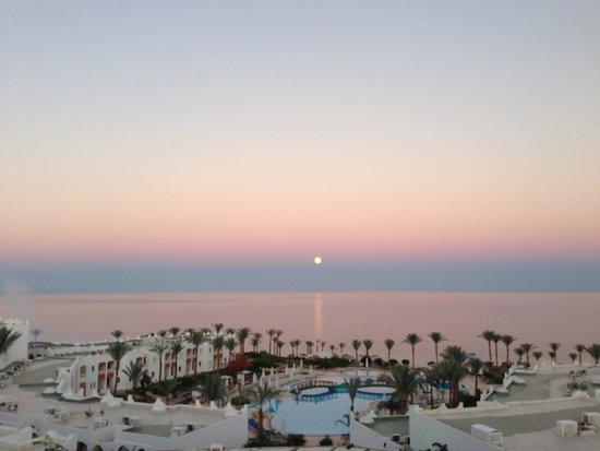Sunrise Diamond Beach Resort : Lovely View!! x