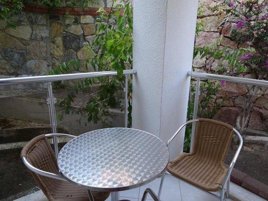 Queen Resort Hotel: balcony - room 402