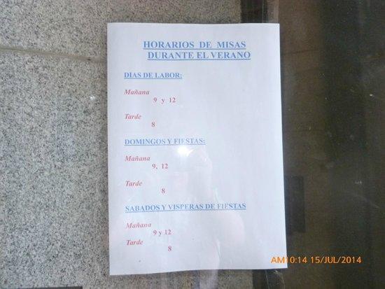 Iglesia de San Juan de la Cruz : el verano es ASQUEROSO!!!