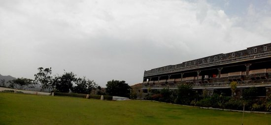 Ramada Udaipur Resort and Spa: View from ground