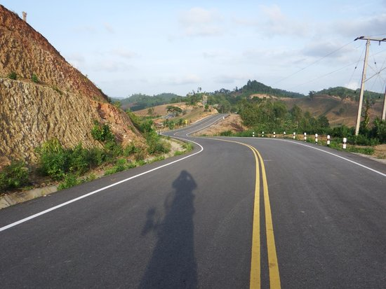 Thai Bike Tours : Stunning Roads Around Nan