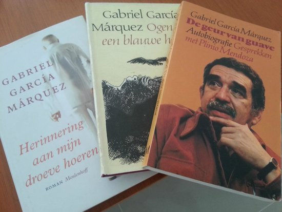 Alfiz Hotel: Enjoy reading a book from Gabriel García Márquez from our large collection