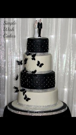 White Horse Hotel Black And Silver Themed Wedding Cake