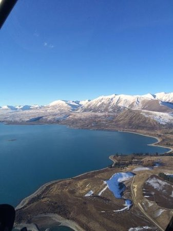 Air Safaris : lake tekapo from the air