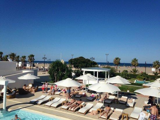Hotel Las Arenas Balneario Resort: View from pool