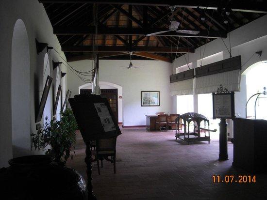 Brunton Boatyard : lobby