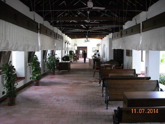 Brunton Boatyard: lobby