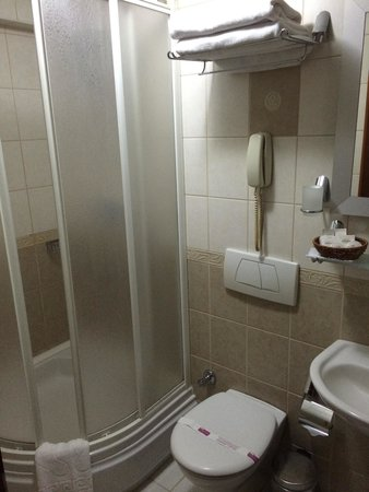 Hotel Centrum Istanbul : Bathroom