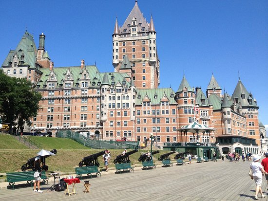 Fairmont Le Chateau Frontenac: View from Promenade