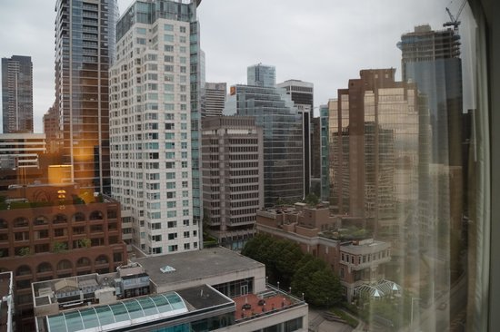 Fairmont Waterfront : City view room