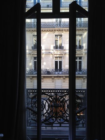 Hotel Lumen: French doors