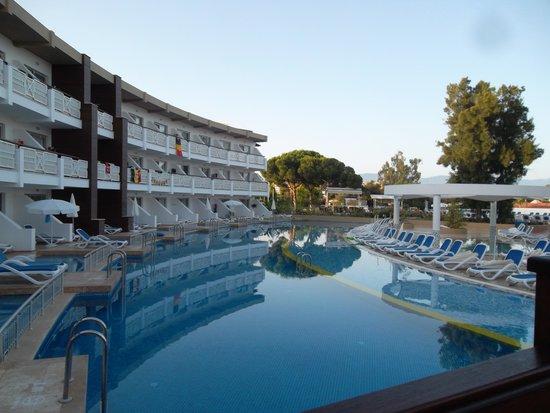 Ephesia Holiday Beach Club: notre bâtiment, vue surla mer