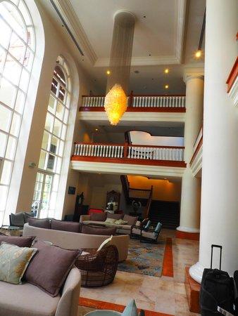 Pullman Cairns International: High Ceiling Reception