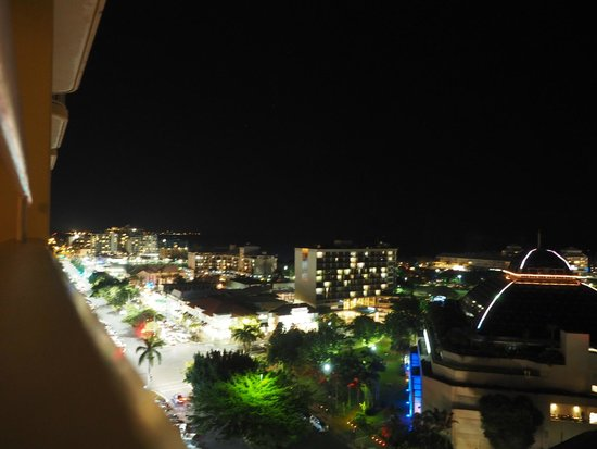 Pullman Cairns International: Casino and Cairns Nightlife.