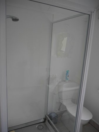 Rangimarie Beachstay: Kawakawa suite shower