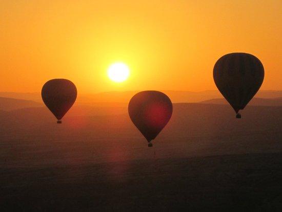 Turkiye Balloons: Sunrise