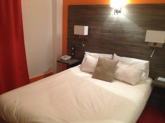 Hotel Actuel Chambery Centre Gare : Chambre 408