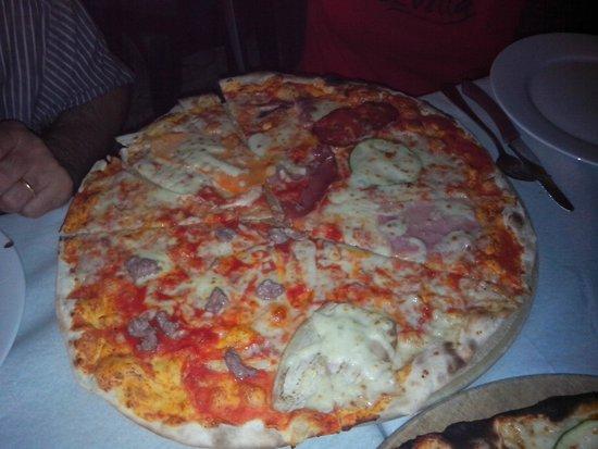 Il giardino segreto : Pizza gigante rossa