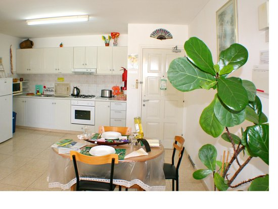 Apollonia Holiday Apartments: One bedroom apartment (no 14)